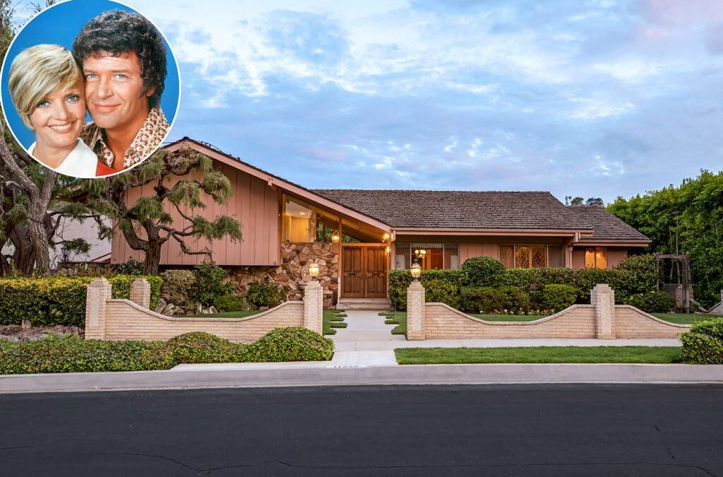 Marsha, Cindy, Peter, & Greg: HGTV OverPaid for the Brady Bunch House