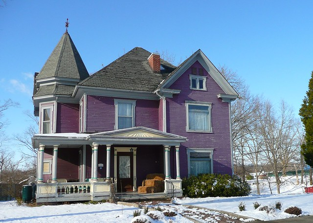 Purple House Raises Ire in Small New England Town