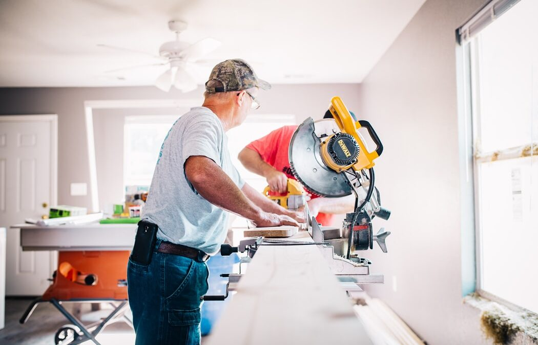 How to Choose the Right Contractor for Your Next Home Project